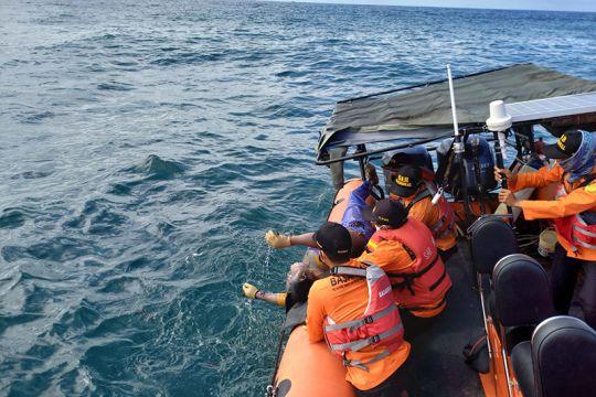 Tim SAR gabungan mengevakuasi korban tenggelam di Banyumas dan Cilacap