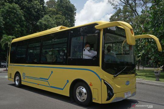 Bantuan bus listrik untuk UGM
