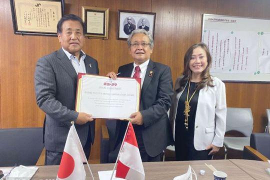 KBRI Tokyo teken komitmen hibah kendaraan dari Toyota untuk Sulsel