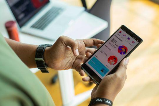 Telkomsel REDI sediakan akses ke layanan bank dalam satu aplikasi