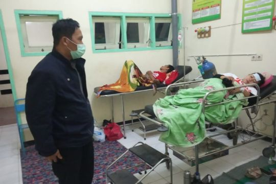 Puluhan siswa SMKN 1 Rejotangan Tulungagung keracunan katering sekolah