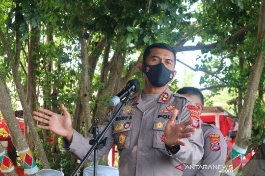 TNI/Polri melakukan pendekatan persuasif ke simpatisan teroris Poso