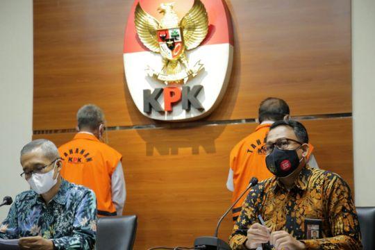 KPK perpanjang penahanan tersangka kasus korupsi barang cukai Bintan