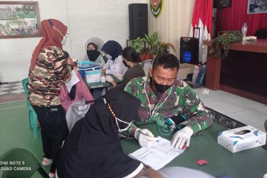 Antusias warga ikut vaksinasi di Markas Kodim