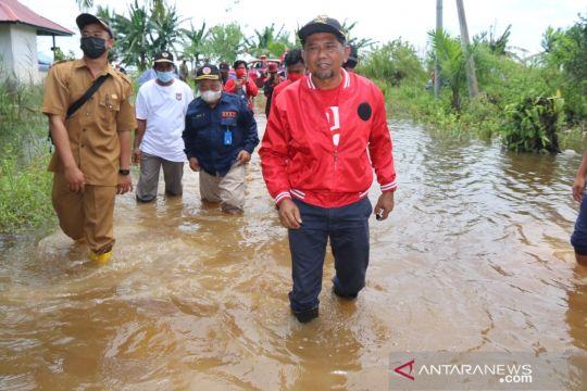 Wakil Bupati Penajam kunjungi warga korban banjir