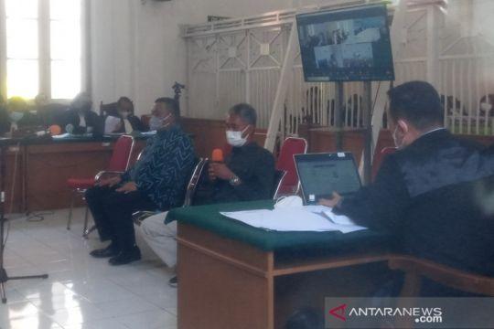 Auditor BPK bantah terima uang dari terdakwa Edy Rahmat