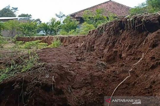 26 kecamatan di Cianjur berstatus rawan bencana