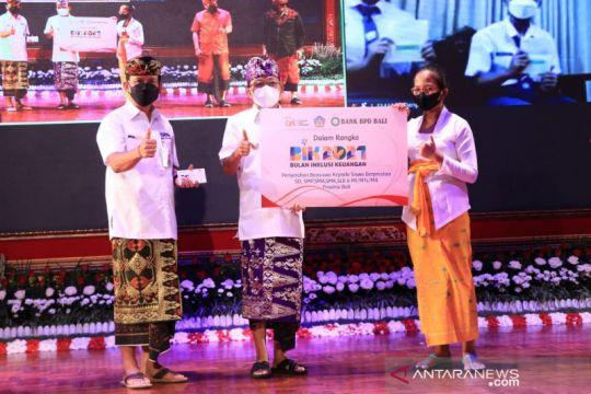 Gubernur Bali serahkan beasiswa Rp1,5 miliar untuk siswa SD hingga SMA