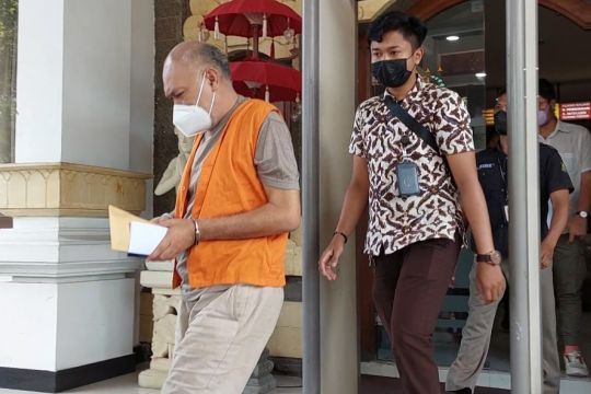 Kejati Bali tahan oknum mengaku jaksa Kejagung RI lakukan penipuan