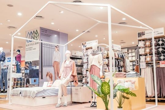 UNIQLO hadirkan instalasi LifeWear di Pondok Indah Mall 3