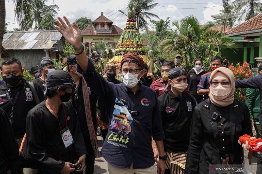 Sandiaga Uno kunjungi Desa Wisata Cikakak
