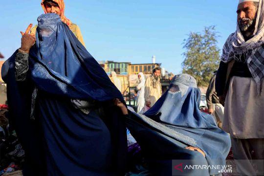 Geliat pasar pakaian bekas di Afghanistan