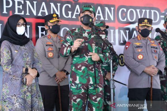 Kasus COVID-19 menurun, Panglima TNI ingatkan tetap waspada