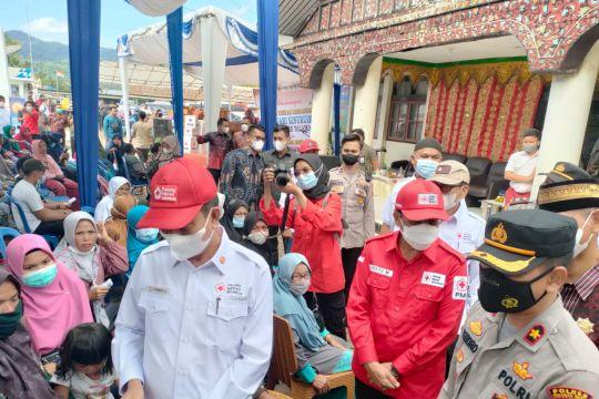 Nagari Sinuruik Pasaman Barat adakan festival vaksinisasi seribu orang