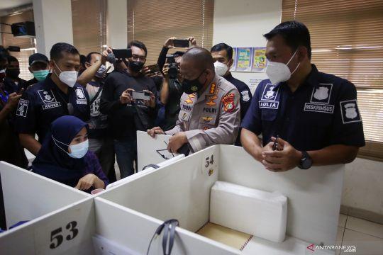 Polisi gerebek kantor pinjol ilegal