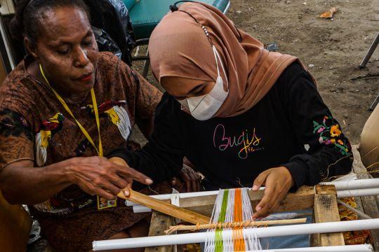 Pameran seni untuk wisatawan dan menyemarakkan PON Papua