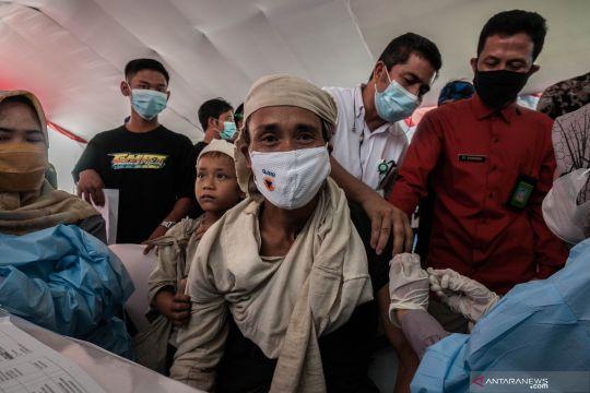 Vaksinasi COVID-19 Suku Baduy Dalam