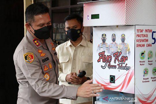 Polresta Malang Kota luncurkan dispenser masker otomatis