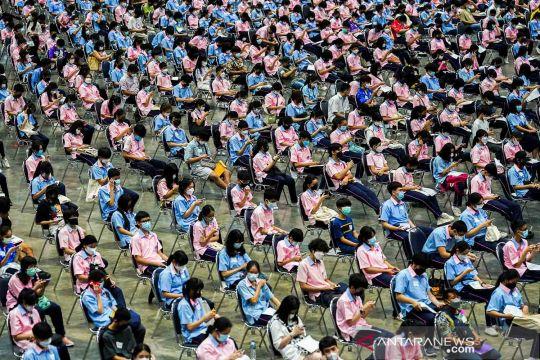 Vaksinasi COVID-19 bagi pelajar Thailand sebelum sekolah tatap muka dimulai