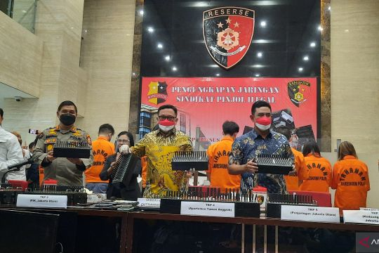 Polri tangkap 7 tersangka sindikasi pinjol ilegal di Jakarta