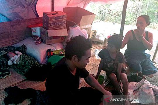 Kondisi memprihatinkan, warga Badui korban kebakaran tinggal di tenda