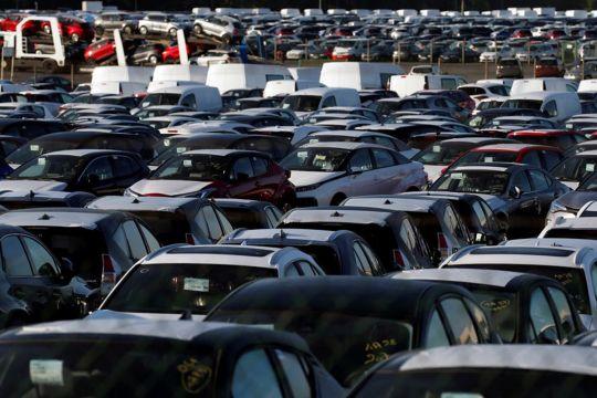 Penjualan mobil Eropa anjlok 25 persen karena krisis chip
