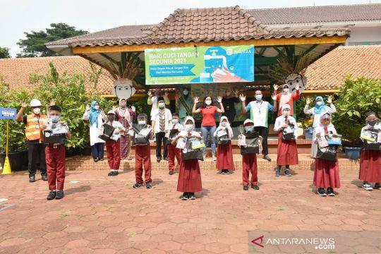 Palyja edukasi praktik cuci tangan ke siswa SD 08 Cilandak