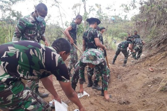 Kodam Udayana siapkan alat berat atasi longsor akibat gempa Bali