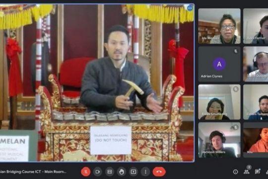 Pelajar Australia belajar daring seni tari, musik Indonesia