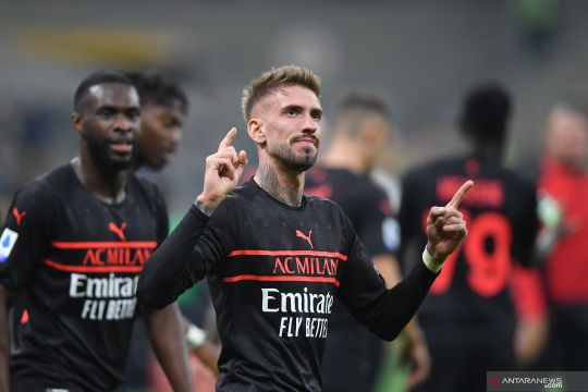AC Milan puncaki klasemen usai menang dramatis 3-2 atas Hellas Verona