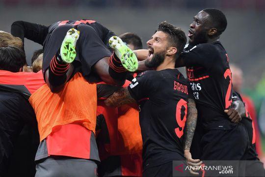 Liga Italia : AC Milan geser Napoli di puncak klasemen usai menang atas Verona