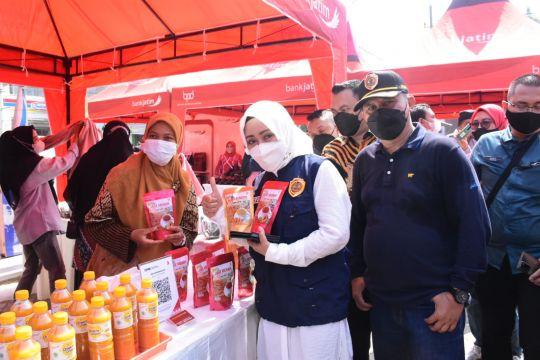 Pemkab Mojokerto bantu warga penuhi kebituhan lewat pasar murah