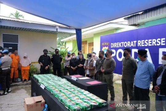 Polda Riau tangkap pengedar dan sita 81 kilogram sabu dari Malaysia