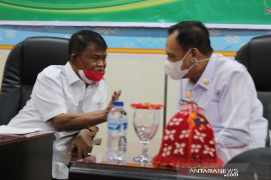Gubernur Sulteng minta pemkab terus gencarkan vaksinasi COVID-19