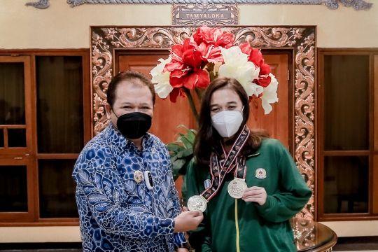 Bupati Jember beri bonus Rp50 juta kepada atlet peraih medali emas PON
