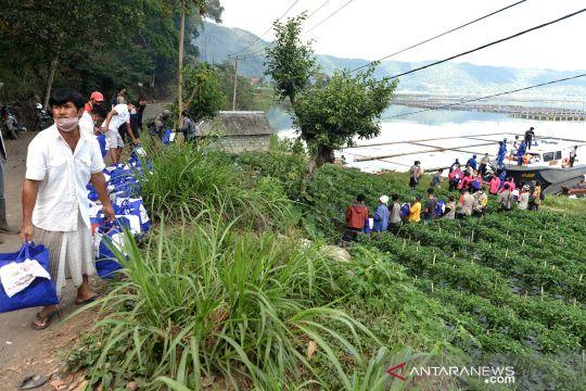 Distribusi bantuan untuk korban gempa Bali