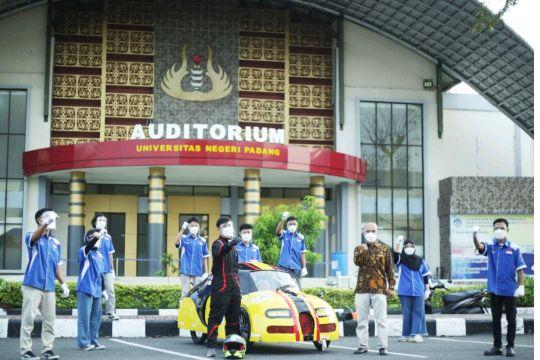 Pagaruyuang Team UNP ikuti kompetisi mobil hemat energi nasional