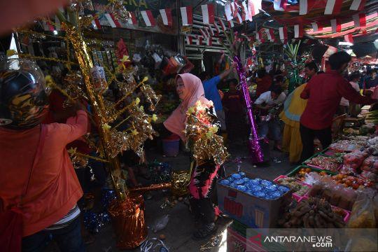 Perayaan Maulid Nabi Muhammad di pasar tradisional