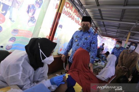 Penjual sekitar sekolah di Tangerang diimbau sudah divaksinasi lengkap
