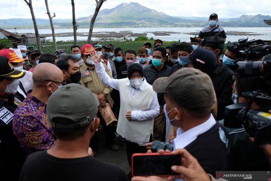 Mensos tinjau korban gempa Bali