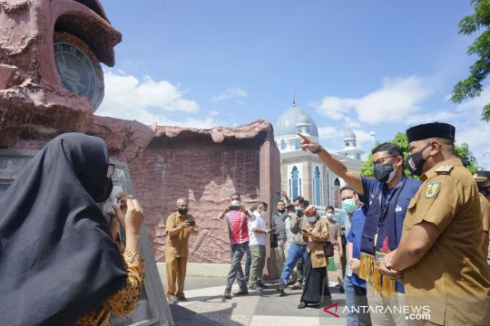 Menparekraf kunjungi situs tsunami PLTD Apung di Aceh