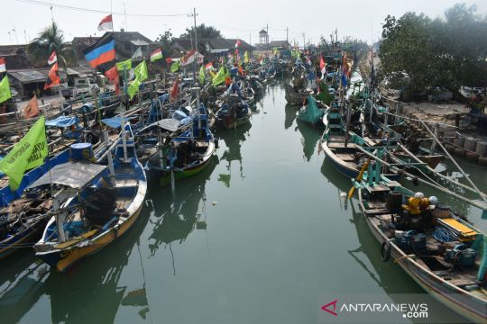 Ketika solar menjadi tumpuan harapan nelayan di Kabupaten Gresik