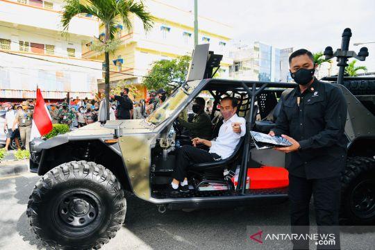 Gunakan kendaraan taktis, Presiden Jokowi sapa masyarakat di Tarakan