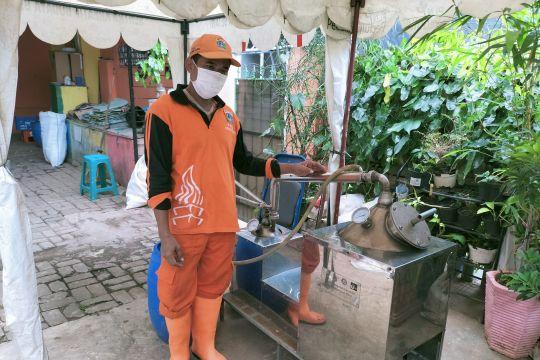 PPSU Kelurahan Kota Bambu Selatan ubah sampah plastik jadi solar