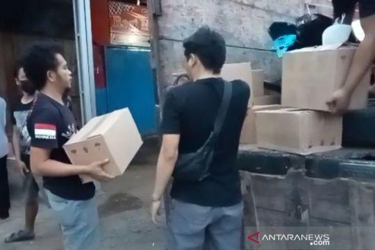 Polisi sita ratusan botol minuman keras yang dijual ilegal di Garut