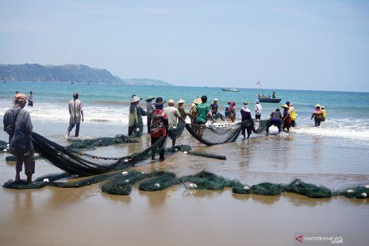 Menteri: KKP berencana bangun dermaga di Pantai Sine Tulungagung
