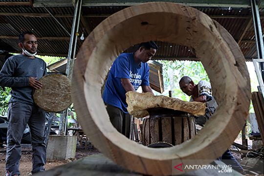Produksi alat musik tabuh tradisional rapai