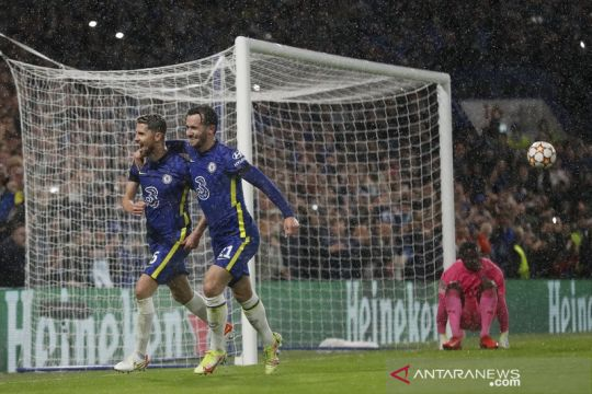 Jorginho konversi dua gol penalti, Chelsea lumat Malmo 4-0