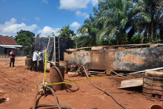 Tim gabungan menemukan gudang minyak oplosan di Kota Jambi