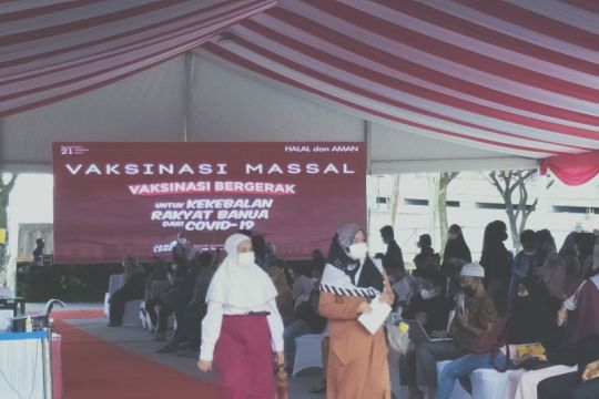 Siswa SD ramai ikut vaksinasi akan dihadiri Presiden di Banjarmasin